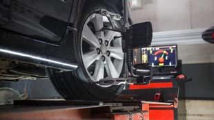 Alinhamento e geometria: conheça esses e outros serviços essenciais para os veículos de sua empresa